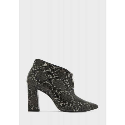 Kendall+Kylie Women's prints Mari Ankle Boot H2W5K2910